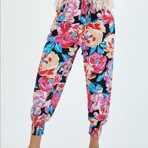 NEW! Anthropologie Floral Balloon Joggers